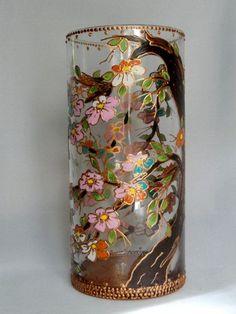 Stupefying Useful Ideas: Wall Vases Fireplaces pottery vases ceramica.Old Glass Vases flower vases water. Glass Painting Patterns, Glass Painting Designs, Bottle Painting, Bottle Art, Origami, Vase Transparent, Painted Glass Vases, Vase Design, Paper Vase