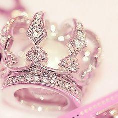 Queen Bling Ring!