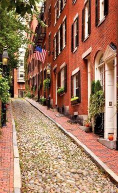 Acorn Street.. Beacon Hill, Boston