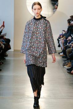 Suno Fall 2016 Ready-to-Wear Fashion Show - Clementine Deraedt