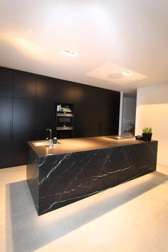 Minimalist Home Interior .Minimalist Home Interior Luxury Kitchen Design, House Design, Interior Design Kitchen, Luxury Kitchens, House Interior, Home, Interior, Stylish Kitchen, Modern Minimalist House