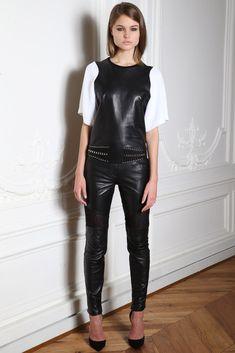 Zuhair Murad Herbst/Winter Ready-to-Wear - Fashion Shows Live Fashion, Fashion Show, Leder Outfits, Vogue, Models, Leather Fashion, Runway Fashion, Beachwear, Fall Outfits