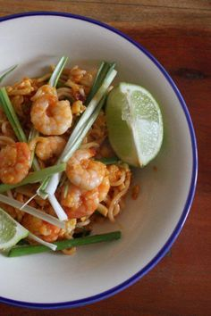 Prawn Noodle Stir Fry - Bring in the Chinese New Year with this simple ...