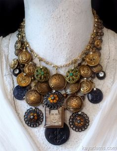 Vintage Button Necklace (L4445) ~ kayadams.com