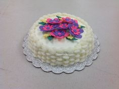 Erica Gold completed Course 2 - Flowers and Cake Design with a spectacular Button Flower basket weave cake. Call for more information on classes. Basket Weave Cake, Basket Weaving, Cake Decorating Classes, Gum Paste Flowers, Button Flowers, Flower Basket, Birthday Cake, Cakes, Desserts