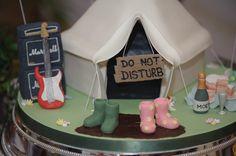 Stephen & Nikki's festival wedding - check out this festival themed cake!