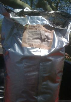 FREE coffee grounds for garden - savingcentswithsense.net