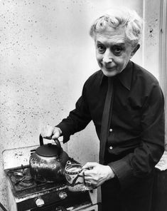 Quentin Crisp in his bed-sit in Chelsea 1981