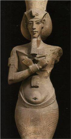 Аменхоте́п IV (позднее Эхнато́н) — фараон Древнего Египта (1375—1336 гг. до н. э.), правивший приблизительно в 1353 (или 1351) — 1336 (1334) годах до н. э., из XVIII династии, выдающийся политик, знаменитый религиозный реформатор, во время правления которого произошли значительные изменения в египетской жизни — в политике и в религии. Сын Аменхотепа III и царицы Тейе.