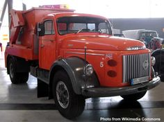 Volvo Classic Trucks, Classic Cars, Rubbish Truck, Old Lorries, Volvo Trucks, Old Cars, Cars And Motorcycles, Antique Cars, Retro Vintage