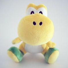 Peluche sous licence officielle NINTENDO 16 cm Yoshi, l'ami fidèle de Mario est trop mignon en version jaune !