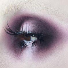 "668 Likes, 23 Comments - Kelseyanna Fitzpatrick (@kelseyannaf) on Instagram: ""Halo eye using @katvondbeauty Plum Eye Contour Quad + ""White-Out"" Lock-It Concealer + chopped up…"""