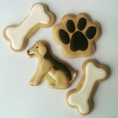 Dog icing cookies