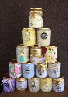 Latas decoradas: 70 ideias legais para o lar - Basteln - Aluminum Can Crafts, Tin Can Crafts, Diy Home Crafts, Homemade Crafts, Recycled Tin Cans, Recycled Crafts, Mason Jar Crafts, Bottle Crafts, Decoupage Jars