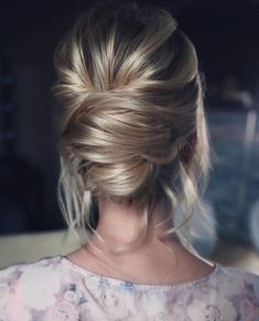 Drop-Dead Gorgeous Wedding Hairstyles For Every Bride To Be. Whether you're a summer ,winter bride or a destination bride, so make sure your hairstyle shows the pretty garment off as much as possible. #weddinghairstyles