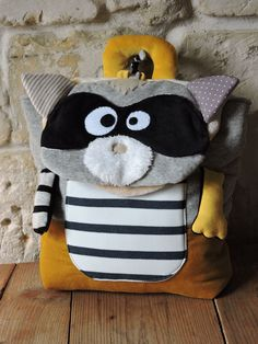 TO order backpack raccoon gloglos sac dos r - Back To School Art, Back To School Backpacks, Animal Bag, Baby Couture, Boho Bags, Kids Bags, Cotton Bag, Sewing For Kids, School Bags