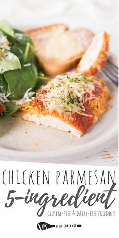 Gluten-Free Chicken Parmesan recipe made without breadcrumbs and oven baked! Perfectly moist Parmesan crusted chicken topped with the best homemade marinara sauce. Chicken Parmesan Gluten Free, Oven Baked Chicken Parmesan, Easy Baked Chicken, Baked Chicken Recipes, Parmesan Crusted, Crusted Chicken, Chicken Parmesan Recipe Without Breadcrumbs, Barbacoa, Gluten Free Recipes For Dinner