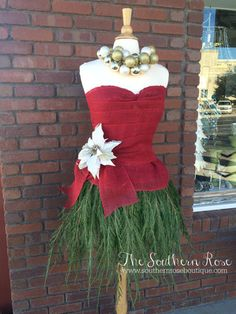 Christmas Open House & Lady Evergreen – The Southern Rose How to Make a Christmas Mannequin Mannequin Christmas Tree #shopwindow #boutiquedisplay #boutique #display #thesouthernrose #southernroseboutique