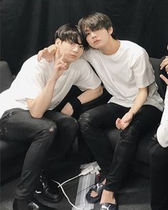 Find images and videos about kpop, bts and jungkook on We Heart It - the app to get lost in what you love. Bts Jungkook, Yoongi, V Taehyung, Bts Jin, Seokjin, Kim Namjoon, Hoseok, Jung Kook, Foto Bts