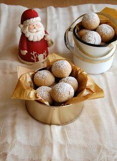 Almond gingerbread puffs / Bolinhas de amêndoa e gingerbread