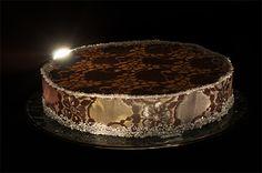 """Twilight Saga inspired cake ✤ Десерт, вдъхновен от историята """"Здрач"""""""