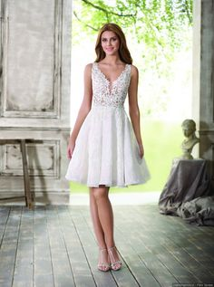 Search results for Vestidos, You can collect images you discovered organize them, add your own ideas to your collections and share with other people. Short Wedding Gowns, Civil Wedding Dresses, Short Gowns, Tea Length Wedding Dress, Bridal Gown Styles, Bridal Dresses, Bridesmaid Dresses, Mi Long, Marie