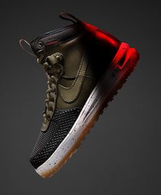 Nike has a crop of winterized sneakers for autumn/winter including two new silhouettes and two that Nike introduced last year. Nike describes the sne Sneakers Mode, Best Sneakers, Sneakers Fashion, Jordans Sneakers, Me Too Shoes, Men's Shoes, Dress Shoes, Baskets, Nike Boots