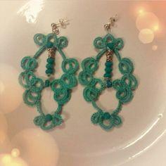 Orecchini a chiacchierino verde Tiffany con pietre dure #fashion #orecchini #cute #exclusivo #glamour #outfit #pendientes #love #look #boucles #unique #acessórios #bijoux #handmade #collana #bracciali #stile #instastyle #style #instacolor #igers #moda #euquero #bracciale #lowcost #earrings #gioielli #brincos #buynow #musthave