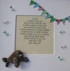 Stein Bild Im Traum  Einzigartiges Geschenk zur Hochzeit, Verlobung, Geburtstag, Weihnachten oder zum Ruhestand. Für jeden besonderen Anlass ein außergewöhnliches Geschenk, das über viele Jahre geschätzt werden wird.  Original Kiesel-Art mit einem Sinn für Romantik, Geheimnis und Magie Lieferung in einem 25 x 25 cm weißem Holz Rahmen mit Glas  Kann auf Wunsch personalisiert werden.