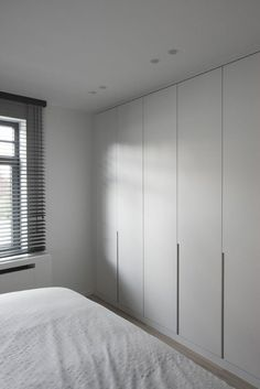 The closet doors we give you 45 ideas in photos Wardrobe Door Designs, Wardrobe Design Bedroom, Bedroom Cupboard Designs, Bedroom Cupboards, Closet Bedroom, Home Bedroom, Bedroom Decor, Wardrobe Cabinets, Wardrobe Doors