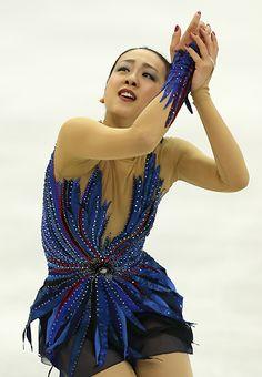 フィギュアスケートGPシリーズ開幕戦スケートアメリカ女子で優勝した浅田のフリー演技=米国ミシガン州デトロイトのジョー・ルイス・アリーナで2013年10月20日 (347×500) http://mainichi.jp/feature/news/20131020org00m050002000c.html