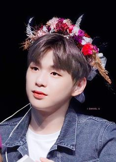 Actually I am a little bit sad with the dating news. 😥But what I most disappointed is Daniel didn't come to the Wanna One Anniversary reunion 😥 2nd Anniversary, Kim Jaehwan, Ha Sungwoon, Flower Boys, Jinyoung, Boy Groups, Things To Think About, My Photos, Disappointed