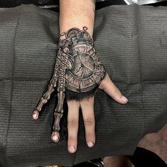 Hand Tattoos for Guys Ideas Design Forarm Tattoos, Bone Tattoos, Skull Tattoos, Finger Tattoos, Leg Tattoos, Body Art Tattoos, Forearm Tattoo Men, Best Sleeve Tattoos, Tattoo Sleeve Designs