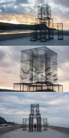 Edoardo Tresoldi creates stunning using sheets of wire mesh. See mor - Sculpture - Print the sulpture yourself - Edoardo Tresoldi creates stunning using sheets of wire mesh. See more of this incredible that was featured in in Camerota Italy. Illusion Kunst, Modern Art, Contemporary Art, Art Et Architecture, Installation Architecture, Art Public, Instalation Art, Outdoor Art, Wire Art
