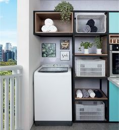 Having a tiny laundry room space does not mean that you have to keep things haphazardly. They could be kept in an organized way with the help of these small laundry room ideas with top loading washer. Tiny Laundry Rooms, Laundry Room Design, Diy Décoration, Dyi, Small Room Bedroom, Bedroom Decor, Interior Design Living Room, Living Room Designs, Décor Boho