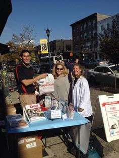 Squeedunk: Our first outing, thanks BlogPaws! #RoyalCanin rep Jordan and petMD Vet Natasha with the Squeedunk human!
