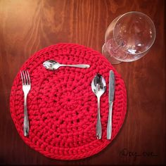 Salvamantel de trapillo T-shirt yarn crochet table mat #crochettablemat #crochetmat #crochet #crocheter #crochetaddict #instacrochet #trapillo #salvamantelescrochet #salvamantelestrapillo #tshirtyarn #tshirtyarnmat #homesweethome #instadecor #handmade #diy #vistetumesa by by_eve_
