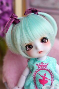 Lilac, via Flickr. (Lati Yellow - Aladdin Genie)