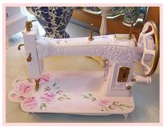 Shabby Chic Sewing Machine in Pink