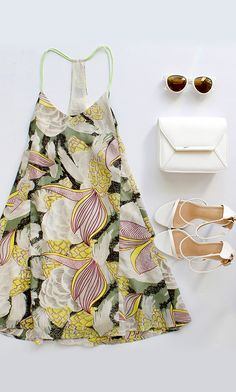 Just one look at the Think Vice Olive Green Print Swing Dress, and you'll be dreaming of a palm trees and sandy shores! Abstract print in olive green, cream and plum covers this racerback swing dress. Date Outfits, Spring Outfits, Moda Mania, Look Fashion, Fashion Outfits, Runway Fashion, Estilo Hippie, Style Ethnique, Green Print