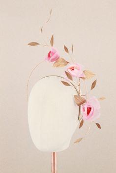 Roszella Rise Halo | Reny Kestel Millinery Bridal Shrug, Bridal Comb, Bridal Headpieces, Rose Vintage, Pelo Vintage, Fascinator Headband, Diy Headband, Hat Patterns To Sew, Vintage Headbands