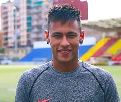 Imagine You're having a conversation with Neymar. Neymar Jr, Neymar Football, Football Boys, Football Players, Cristiano Ronaldo 7, Juventus Fc, He Makes Me Smile, Make Me Smile, Turin