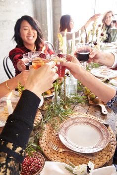 Tasty Tuesday: A Friendsgiving to Remember - Thanksgiving Offers, Thanksgiving Punch, Thanksgiving Recipes, Holiday Recipes, Yummy Drinks, A Food, Special Occasion, Tasty, Hygge