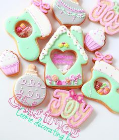 🎅🏻Y&Csweets Christmas stained glass cookie lesson🎅🏻 . お待たせいたしました😫クリスマス1dayレッスンのご案内です💘 . 今年も大人気のステンドグラスクッキーを作りますよ~♡ 今回はおうちなどでも作りやすい技法とデザインをご紹介します💕 . 12月は何かとお忙しいと思いますが..アイシングクッキー作りでちょっぴり息抜き♪&季節を楽しむリフレッシュタイムに♪ 皆様のご参加、心よりお待ちしております💁🏻💕 . 詳しくはBLOG,ONLINESHOP をご確認ください。 ご予約お申し込みは明日(12/9 金)20:00から開始になります💕 . #icingcookies#edibleart#royalicing#decoratedcookies#christmas#christmascookiesl#merrychristmas#happyholidays#sweet#sweets#lindo#cute#kawaii#baking#cookiedecorating#cookieart#stainedglassc... Iced Cookies, Sugar Cookies, Christmas Cookies, Window Cookies, Stained Glass Cookies, Rainbow Food, Happy Foods, Christmas Treats, Cookie Decorating
