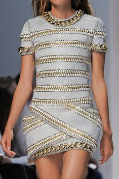 Balmain Spring 2014 - Details  ....the stripes resemble zippers