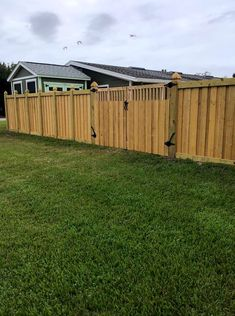 Our signature capped board on board privacy fence Wood Privacy Fence, Wood Fence Design, Fence Styles, Western Red Cedar, Mossy Oak, Central Florida, Custom Design, Building