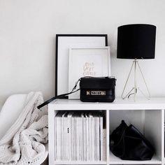Resultado de imagen para black and white polaroid aesthetic