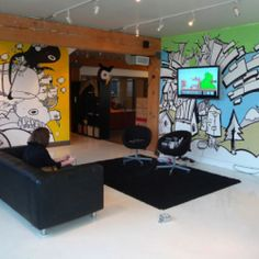The HootSuite Office. Inspiring offices are a growing trend. HootSuite in Vancouver BC is no exception. Interior Work, Office Interior Design, Commercial Interior Design, Commercial Interiors, Red Studio, Cool Office, Wall Design, Game Room, Workspaces