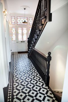 Discover hallway design ideas on HOUSE - design, food and travel by House & Garden. Make your hallway a stylish room of its own with these design ideas. Hotel Hallway, Tiled Hallway, Hallway Flooring, Hallway Furniture, Dado Rail Hallway, Modern Hallway, Edwardian Hallway, Edwardian House, Victorian Homes