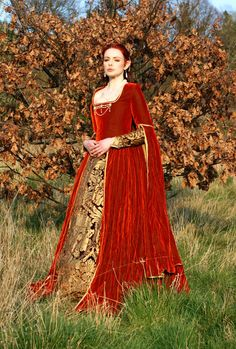 THIS IS CERSEI'S DRESS GIVE IT BACK XD